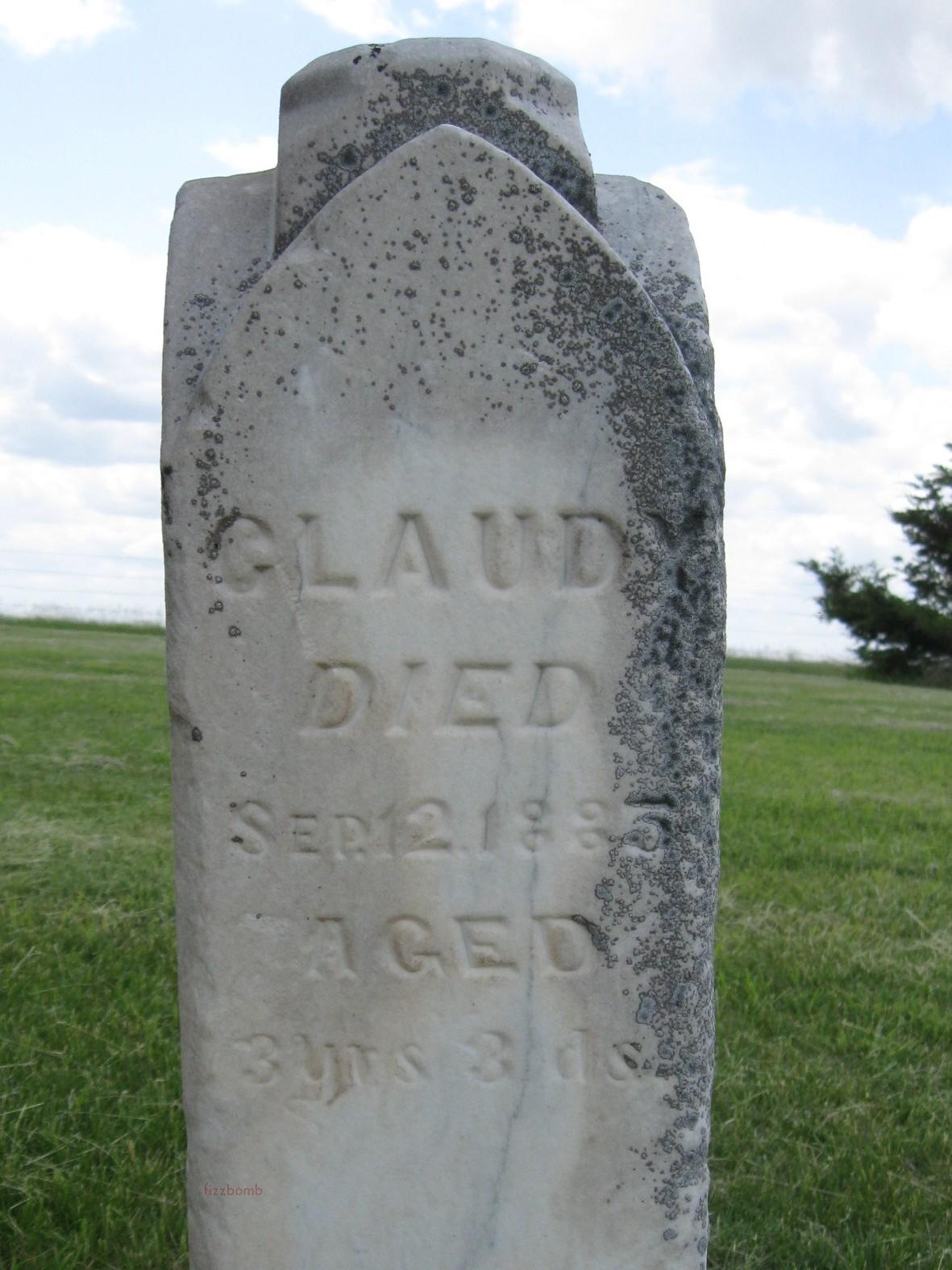 Close up photo of inscription