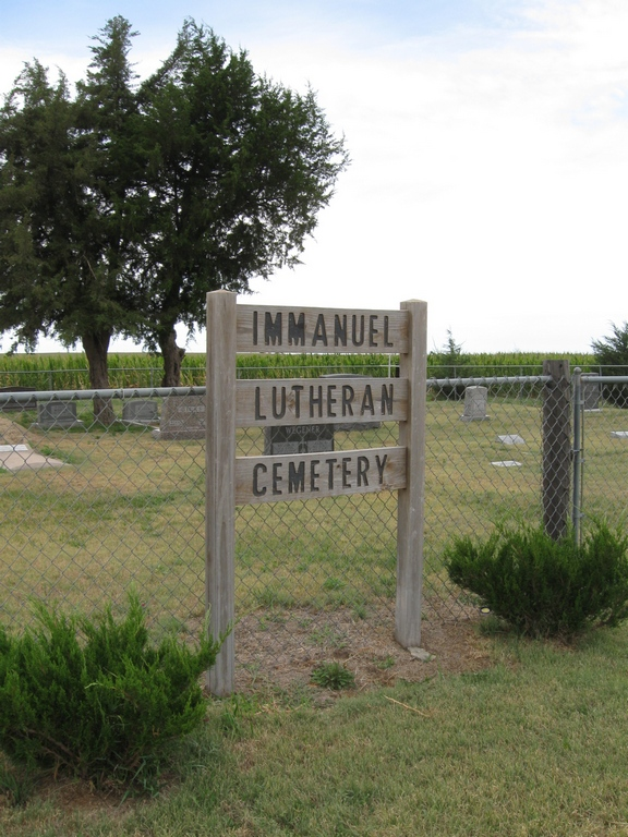 Photo of Immanuel Lutheran Cemetery sign